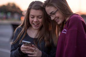La vida de los adolescentes gira en torno a una pantalla
